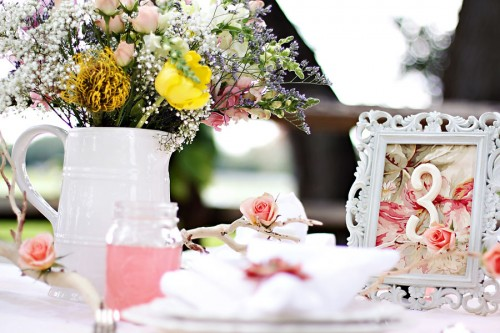 Shabby-Chic-Wedding-Table