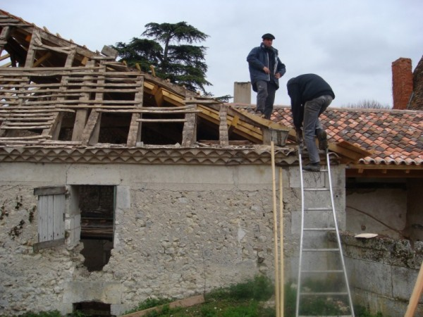 Roof renovations Chateau, France
