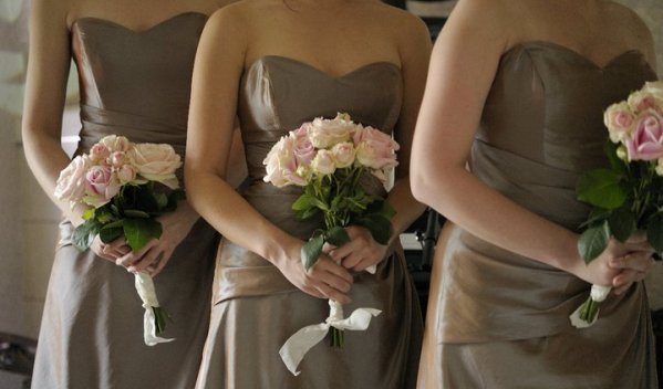 pastel brides maid flowers