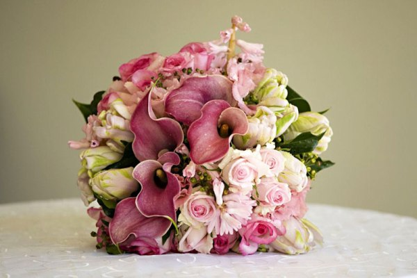 pastel pink wedding flowers