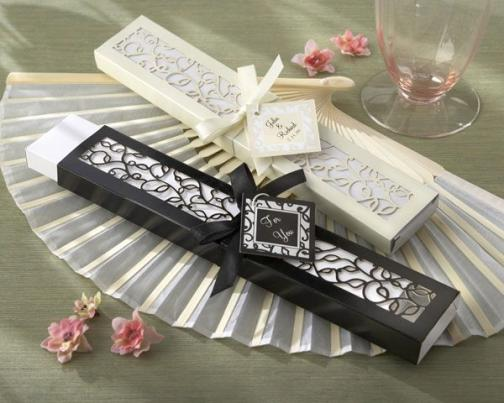 chic fan wedding favour