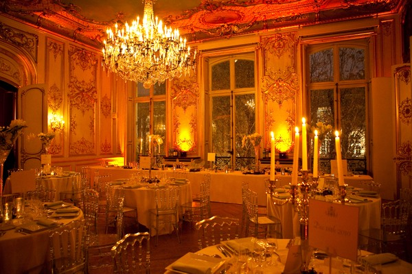 Chateau in Paris table decoration