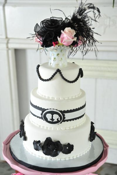 black and white chic wedding cake