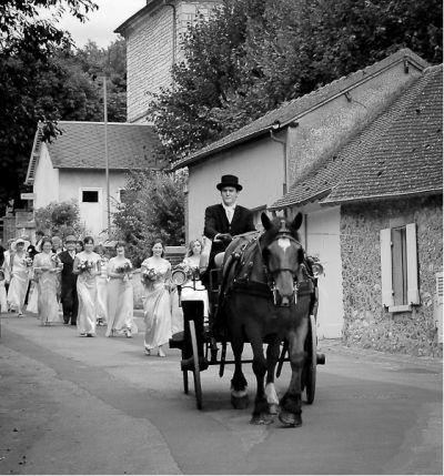 Paris wedding horse and carriage