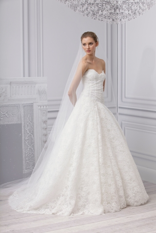 MONIQUE LHUILLIER bridal gown