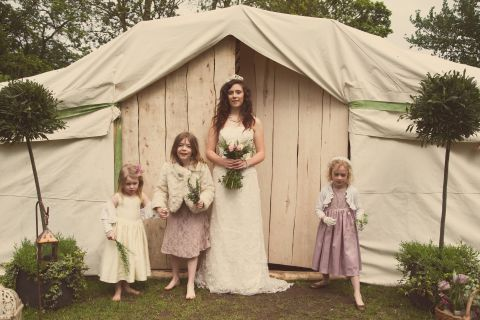 Shabby Chic yurt photoshoot