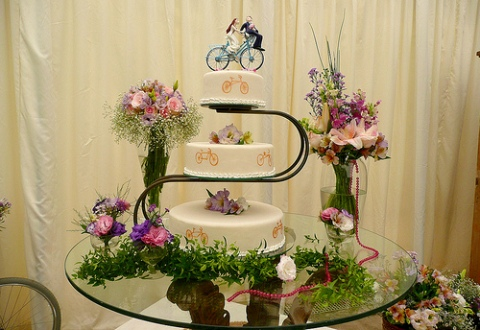 bicycle wedding cake