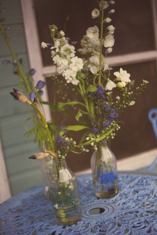 blue white wild  flowers © - Christy Blanch Photography / French Wedding Style Blog