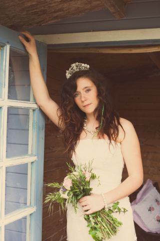 shabby chic bride © - Christy Blanch Photography / French Wedding Style Blog