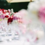 { Creating a shabby chic outdoor wedding reception }