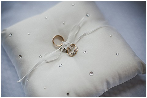 Diamond ring pillow