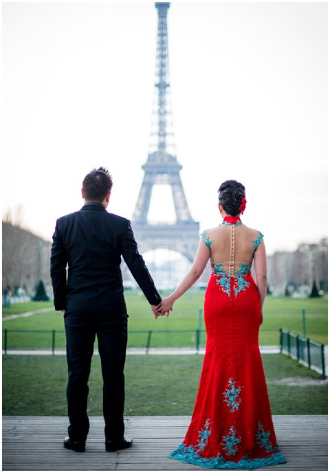 signapore couple in paris