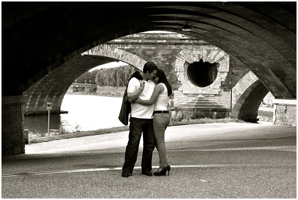 lovers under bridge