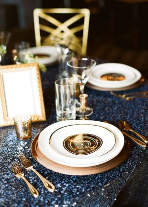 gold blue tablesetting