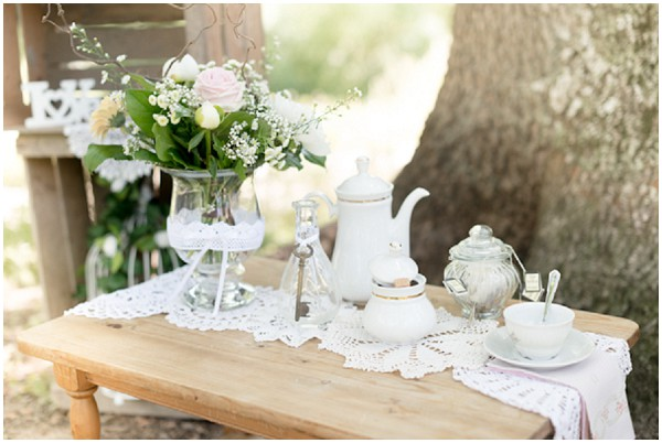 vintage outdoor wedding table