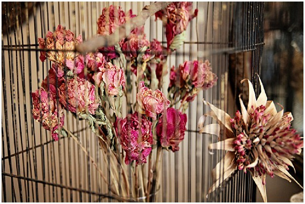 dried pink flowers wedding decoration