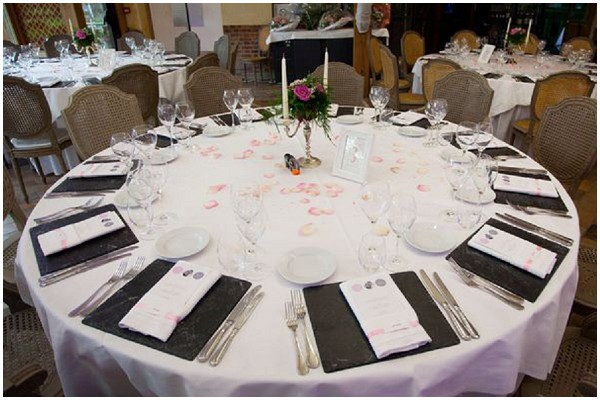 grey pink wedding table