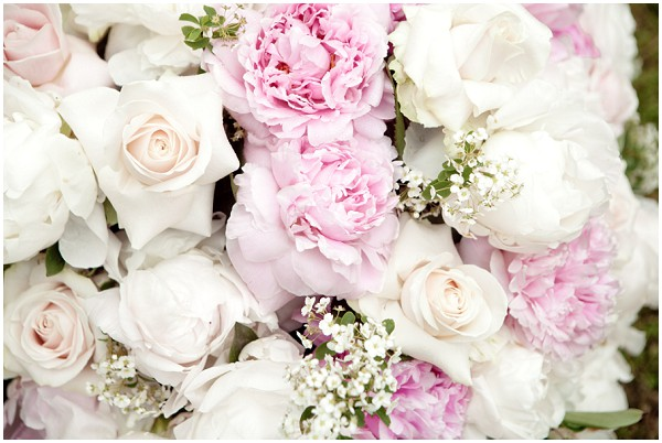 white pink wedding flowers