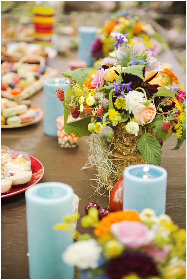 bright wedding table
