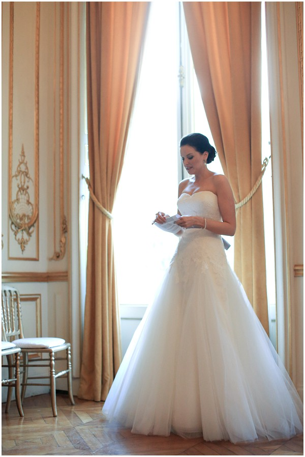 OScarlett wedding dress paris