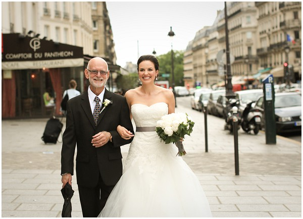 Bride walking to wedding on streets of Paris | Melissa Barrick Photography