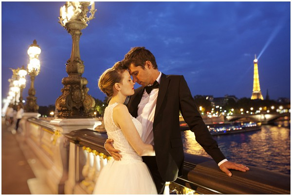 capturing paris romantic shoot