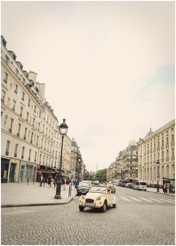 Cute yellow 2CV car in Paris | Melissa Barrick Photography