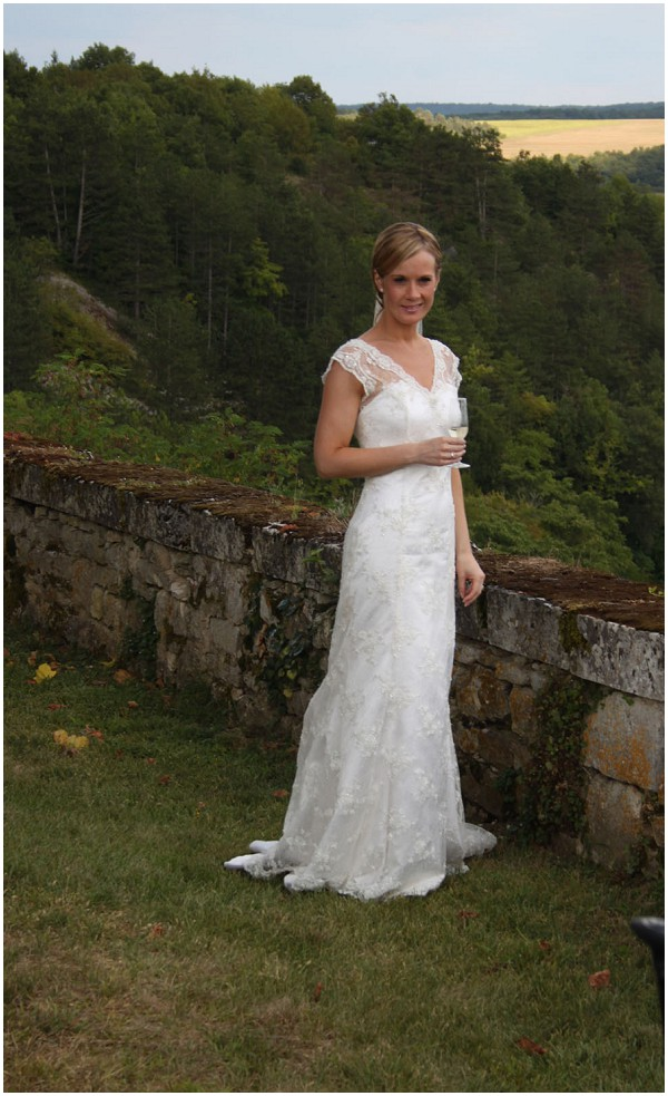 lace wedding dress for France