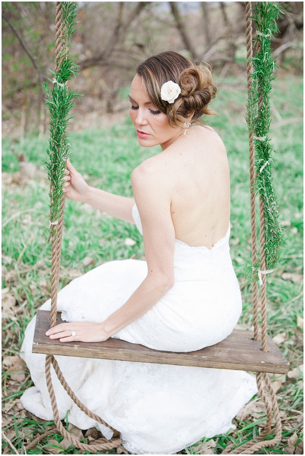 lavender and lace wedding ideas and stunning bridal hair