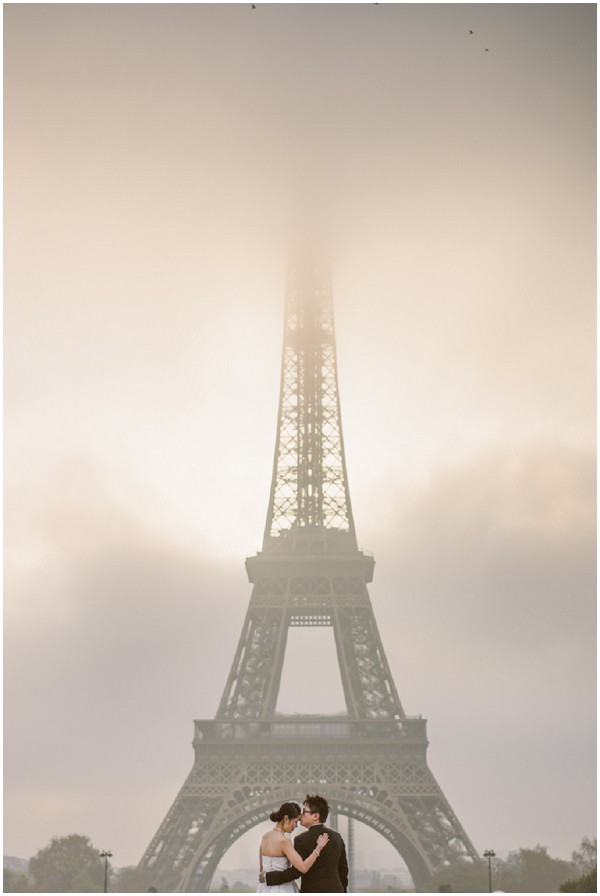 eiffel tower mist
