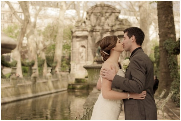 Romantic couple elope to paris by juliane berry for Romantic places to get married