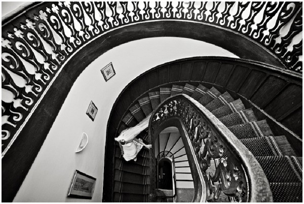amazing staircase for bridal entrance