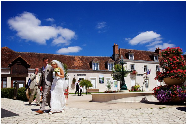 loire valley wedding in France, look at the sky