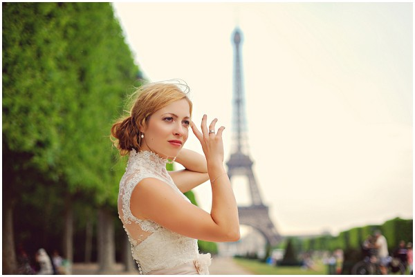 vintage bride eiffel tower