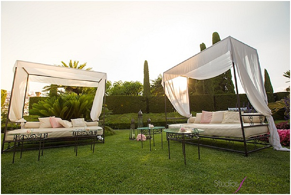 Summer wedding-Outdoor lounge