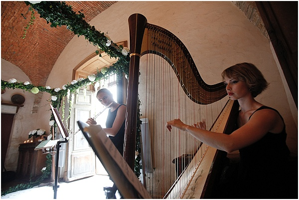 harp at wedding service