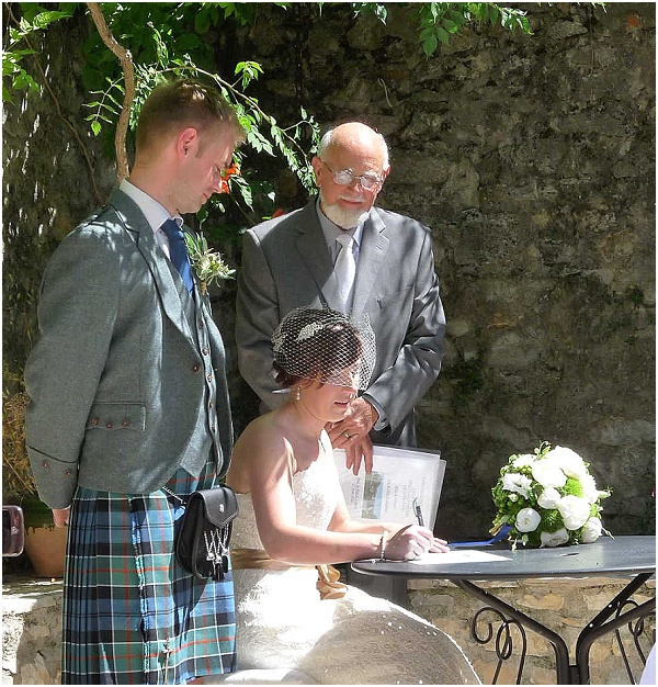 Signing the Marriage Declaration