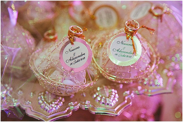 gold wedding favours