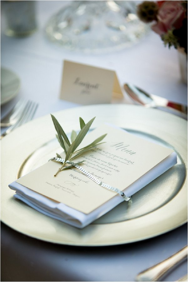 olive leaf table setting
