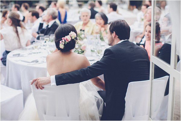 relaxed wedding reception