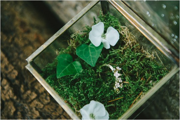moss wedding ring box