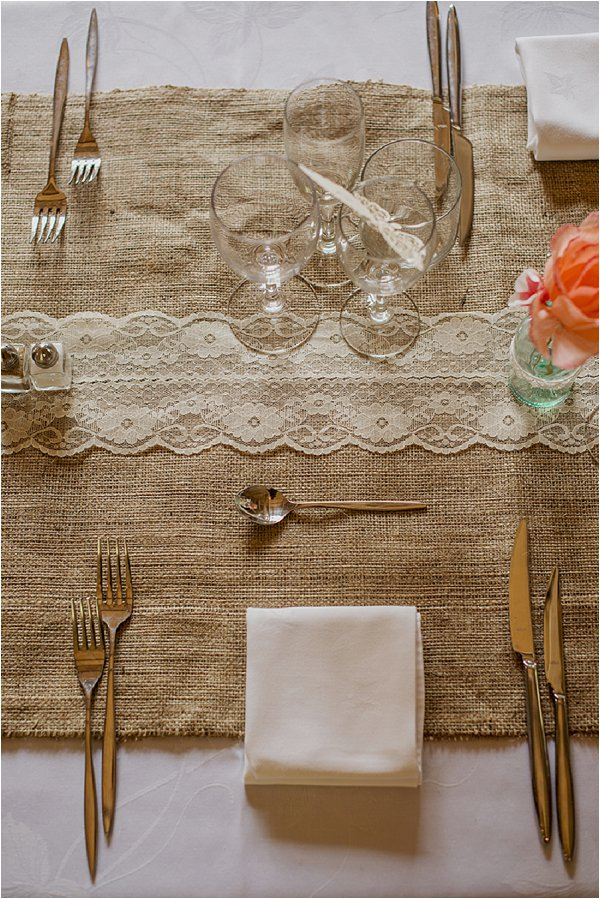 burlap and lace wedding table