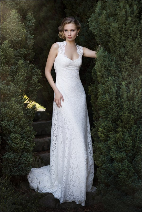 lace fitted wedding dress