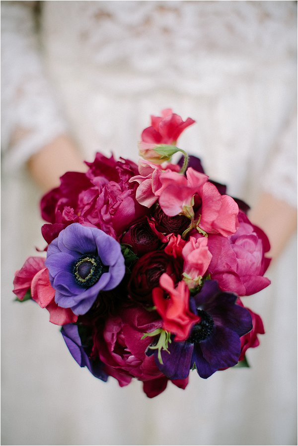 bold wedding bouquet