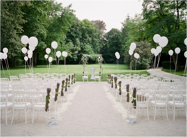 balloon wedding aisle
