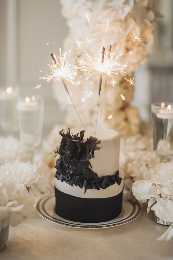 sweet black and white wedding cake
