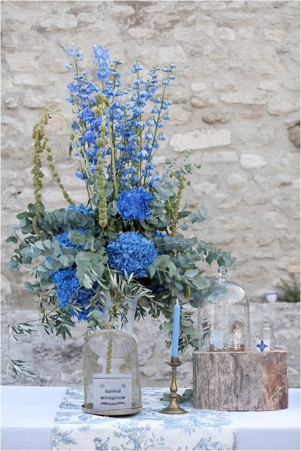 blue and green wedding flowers