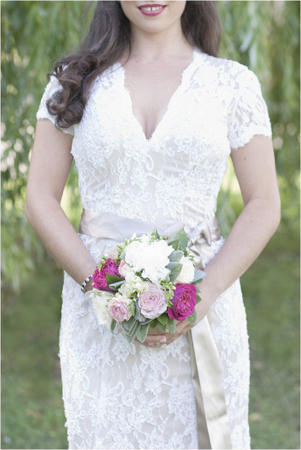 lace wedding dress detailing