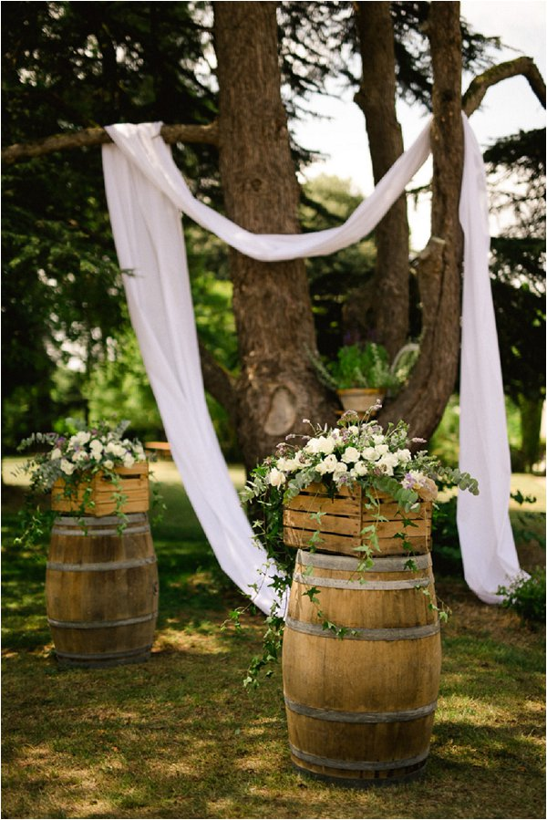 chateau-malliac-rustic-wedding-decor