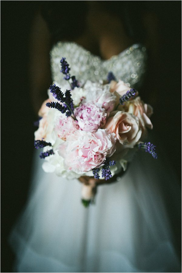 chic bridal bouquet Paris